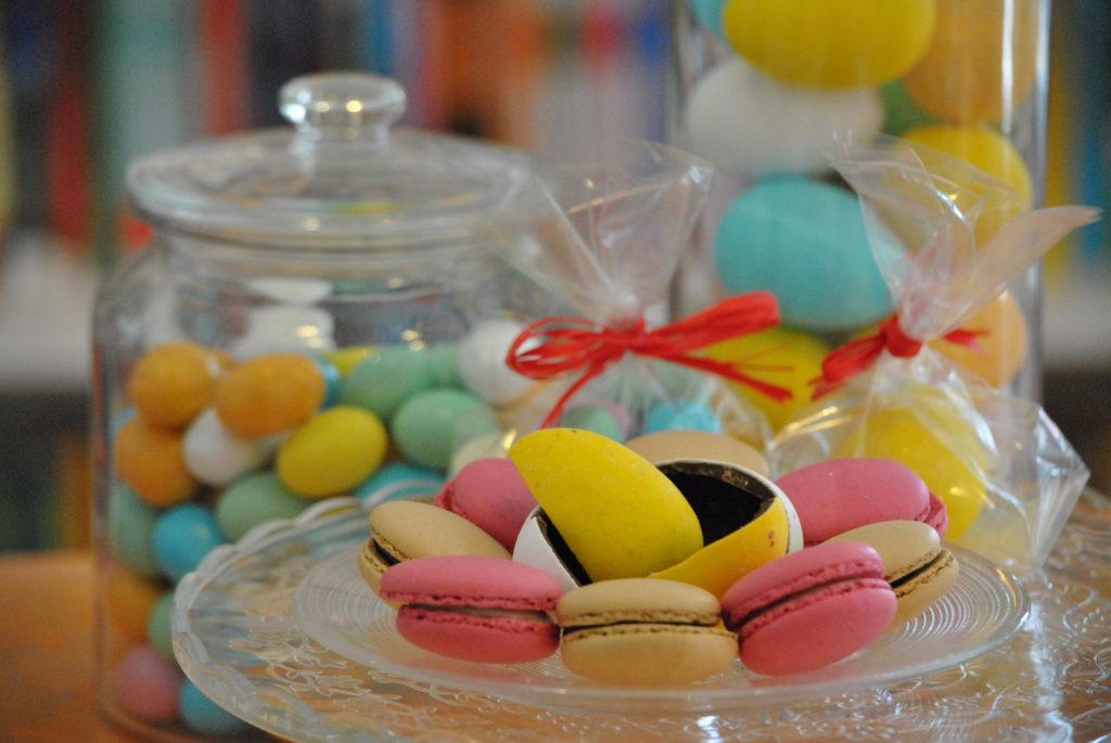 macarons e ovetti di cioccolata da farollo e falpalà